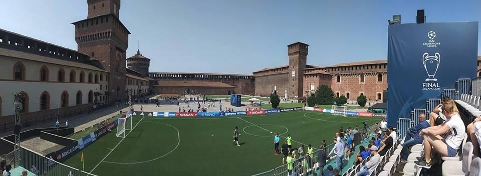 Al Castello Sforzesco incontro di calcio Non vedenti